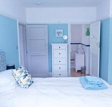 15-bedroom-luxury-suite-3