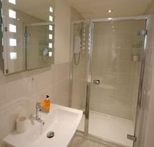 27-bathroom-garden-room